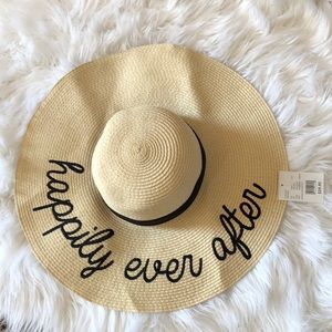 Accessories - Floppy straw hat happily ever after NWT